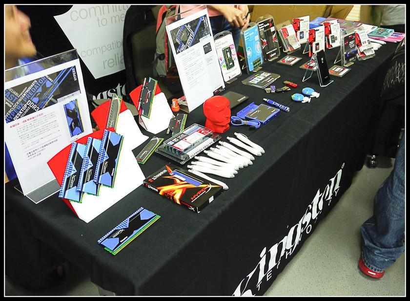 [2012XF網聚]集結英豪~正妹湧現(多圖)~傑瑞跟著網友暴動了!!! - XFastest - xf-117.jpg