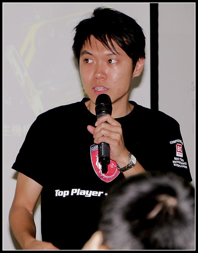 [2012XF網聚]集結英豪~正妹湧現(多圖)~傑瑞跟著網友暴動了!!! - XFastest - xf-125.jpg