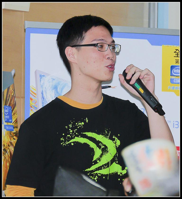 [2012XF網聚]集結英豪~正妹湧現(多圖)~傑瑞跟著網友暴動了!!! - XFastest - xf-142.jpg