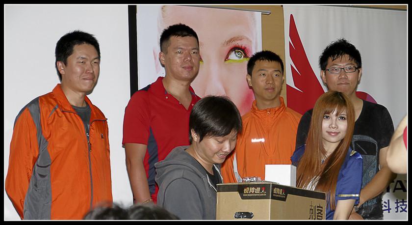 [2012XF網聚]集結英豪~正妹湧現(多圖)~傑瑞跟著網友暴動了!!! - XFastest - xf-170.jpg