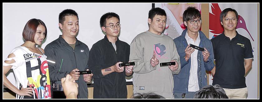 [2012XF網聚]集結英豪~正妹湧現(多圖)~傑瑞跟著網友暴動了!!! - XFastest - xf-190.jpg