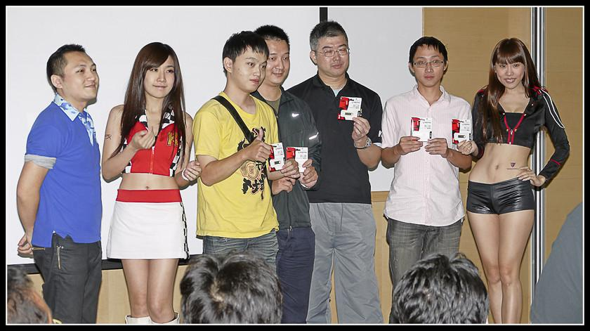 [2012XF網聚]集結英豪~正妹湧現(多圖)~傑瑞跟著網友暴動了!!! - XFastest - xf-198.jpg