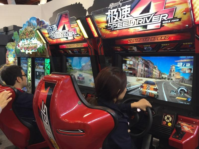 【GTI 15】鈊象電子展出《舞力特區》《機甲英雄》等最新大型電玩遊戲