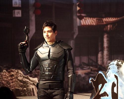 3D正宗武俠手遊鉅作《黃易派來的》5/27火熱開戰  酷帥男神藍正龍重裝上陣!