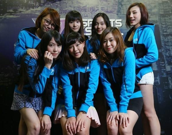 """7美女組""""香港女子戰隊"""":專攻LOL"""