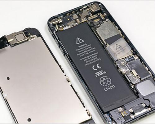 iPhone 電池居然最不長進,其他還有哪些手機比它強?