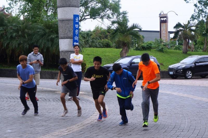 台灣愛普生攜手馬拉松國手前進花蓮分享世界級經驗