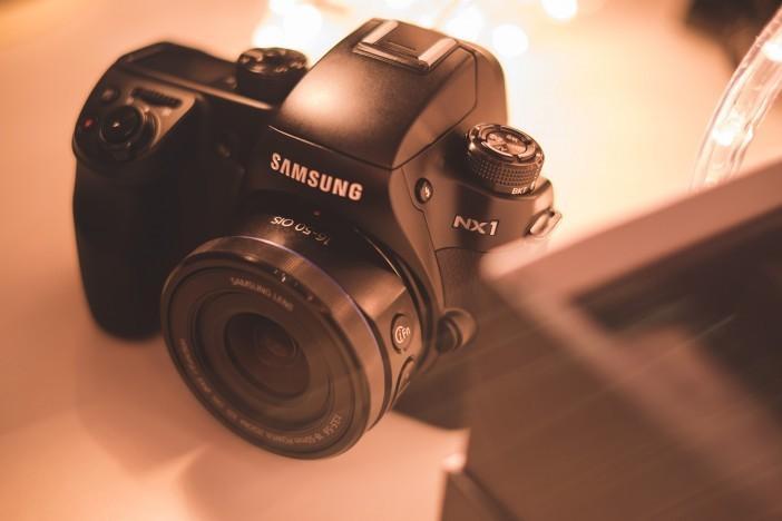 三星相機部門慘澹經營 Samsung NX1 無反單眼旗艦在歐洲、香港、澳洲下市