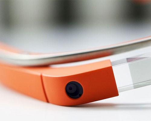 Project Aura 團隊正在研發繼承 Google Glass 的新產品,一樣利用聲音控制