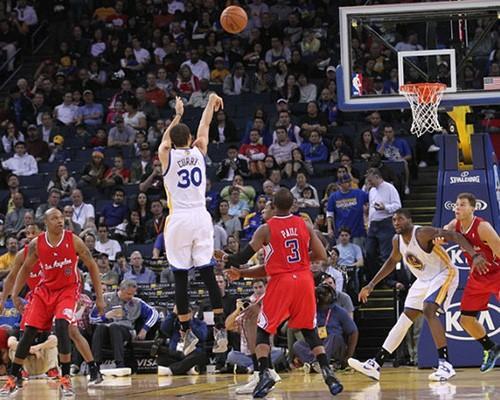 柯瑞3分球太難還原,NBA 2K 坦承現有遊戲難以還原其動作