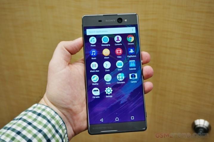Sony Xperia XA Ultra 超大螢幕自拍機即將登場。內建 OIS 光學防手震。