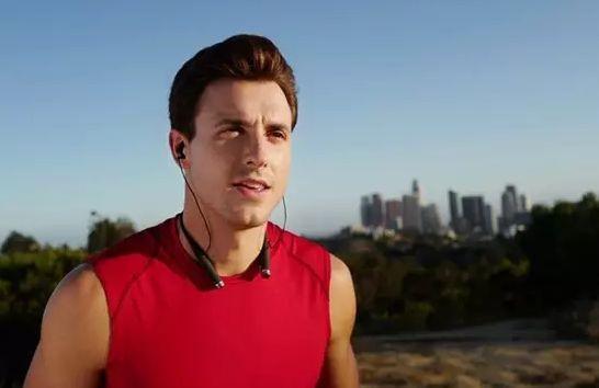 LifeBEAM 推出可穿戴人工智能Vi,做你的私人健身教練
