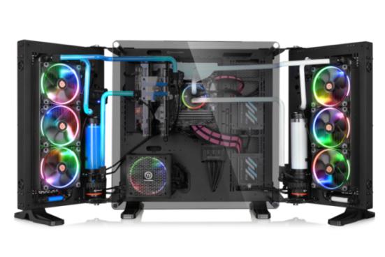 曜越推出Core P7 TG強化玻璃壁掛式機殼Tt LCS Certified水冷認證