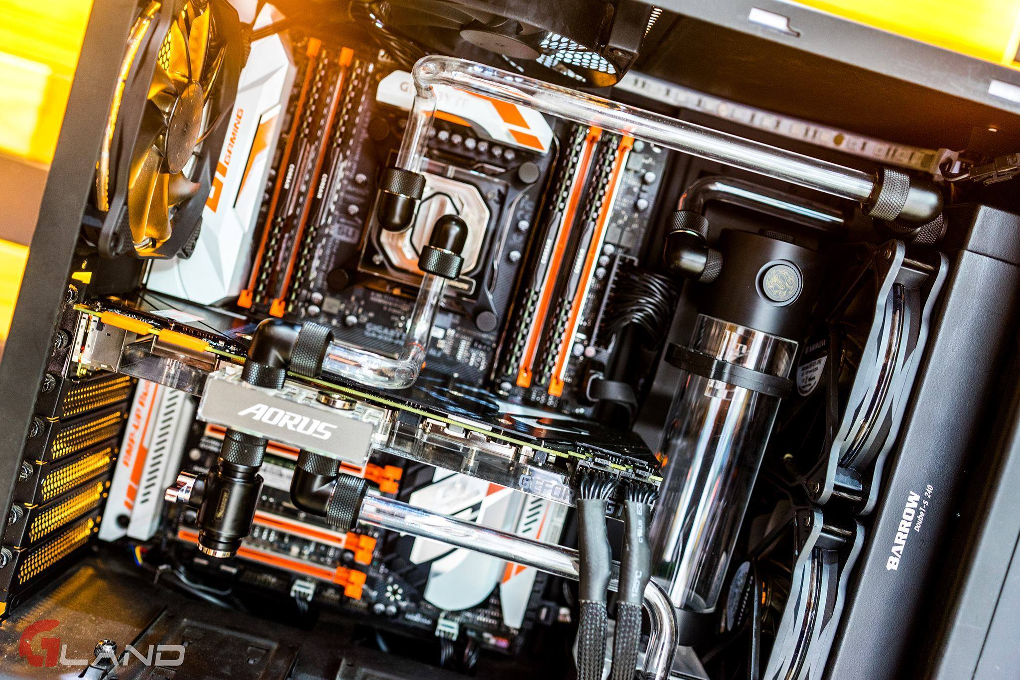 AORUS GeForce® GTX 1080 Ti Waterforce WB Xtreme Edition 11G - XFastest - 19944449_470008633335851_2303415224129450672_o.jpg