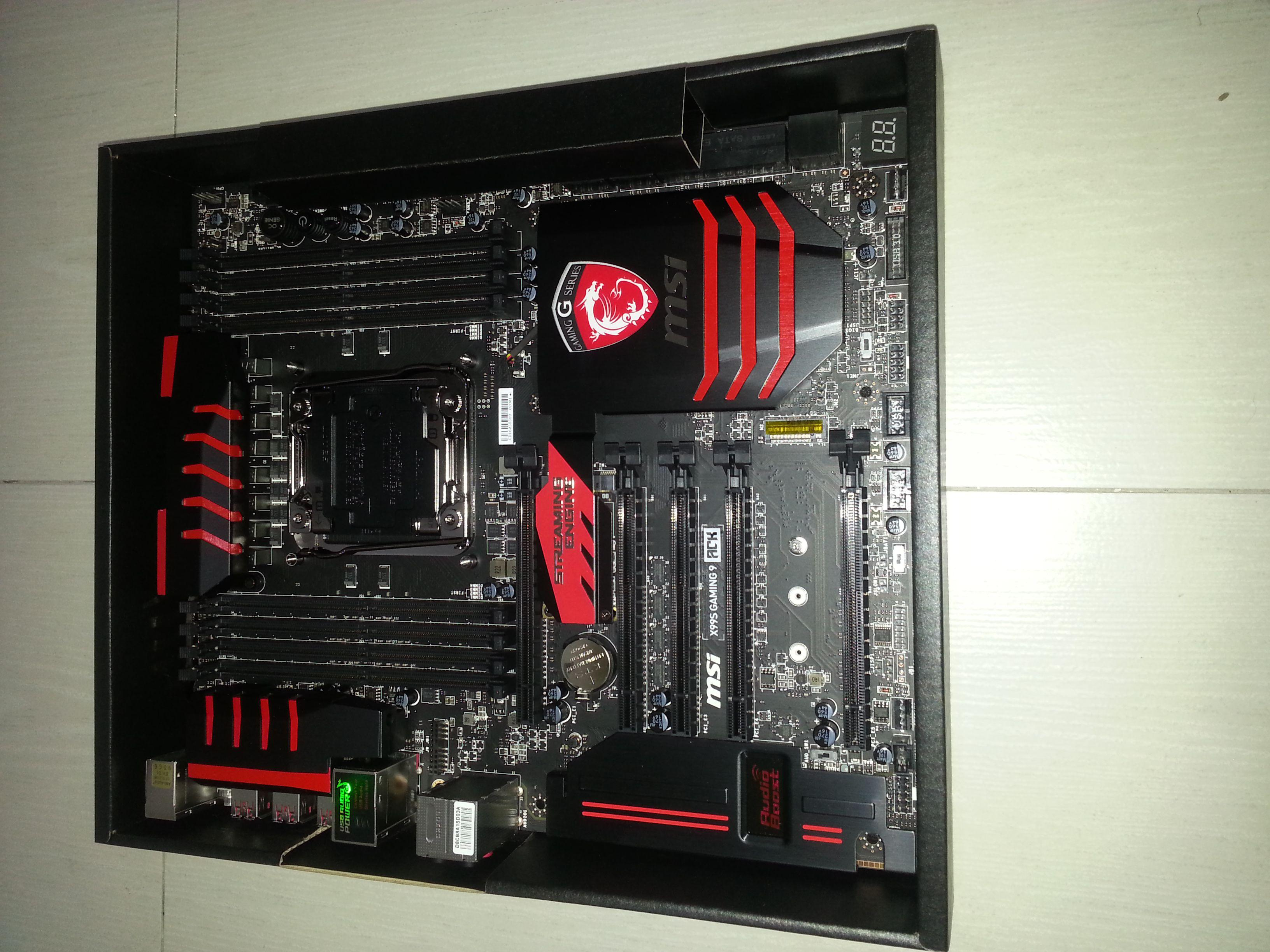 MSI X99S GAMING 9 ACK 二手 保固內 - XFastest - 20141126_204435_compressed.jpg