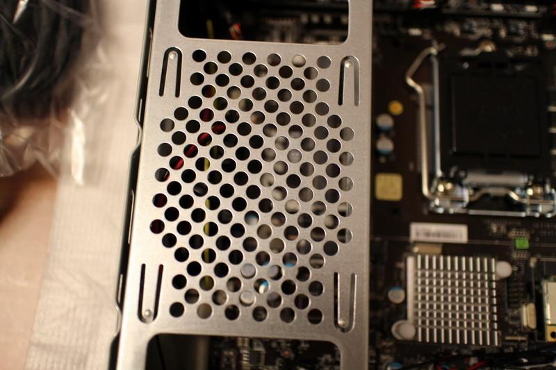 [開箱] msi 微星 ProBox23 薄型 Thin-ITX 2.3 公升 DIY 準系統