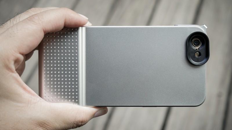 SNAP! 6 快門保護殼這次讓 iPhone 6 化身為可換鏡式手機