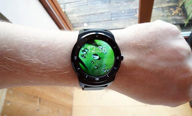 LG G Watch R 在 Google Play 上架了!