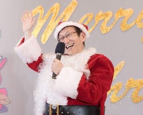 ASUS ZenFan華碩總部直擊X聖誕窩聚日 華碩董事長施崇棠化身聖誕老人 將Zen愛獻給最愛