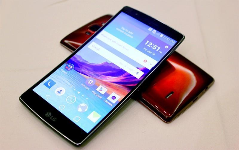 [CES2015]LG G Flex 2 正式登場:再戰曲面手機