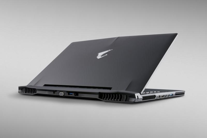 AORUS推出史上第一台GTX雙獨顯15吋電競筆電X5
