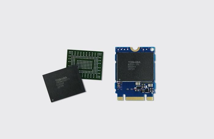 [CES2015]東芝展示首款單封裝的PCI-E硬碟:256GB容量,僅重1克