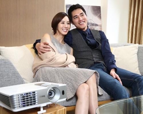 BenQ 2015年Full HD投影機新定義 讓「愛很簡單,從投開始」