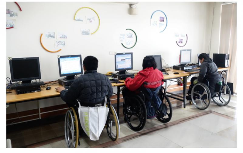 技嘉科技捐電腦 助脊損傷友重啟人生