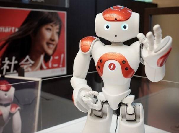 在日本,有情感機器人 Pepper 準備上崗工作了