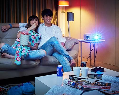 Epson 推出全新家用投影機 翻轉娛樂豐富生活