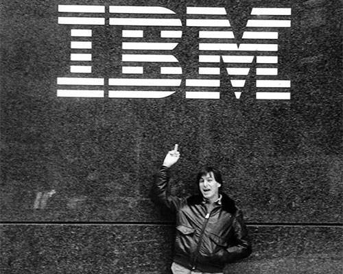 時代變了,IBM正在給員工免費派發蘋果Macbook