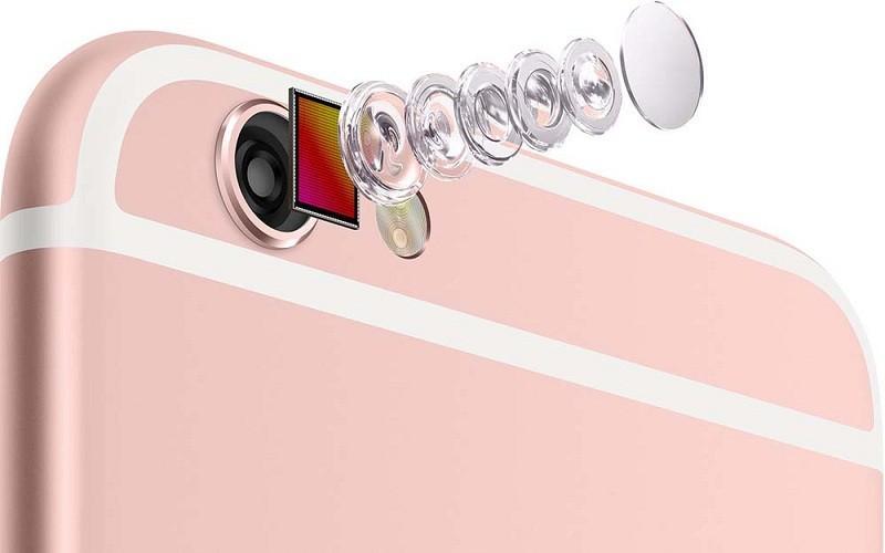 蘋果解決鏡頭凸起的秘訣,就是一個字:「彎」
