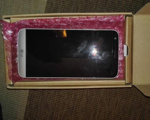 雙主鏡頭確認,LG G5 實機照在網路曝光