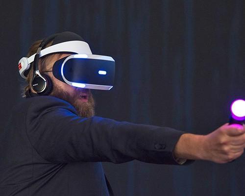 缺席首波 VR 大戰,零售商透露 PlayStation VR 將於秋季開賣