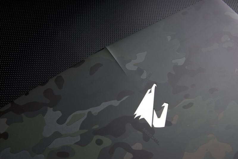 極致電競品牌AORUS推出【MultiCam迷彩版電競筆電】 全台限量10台