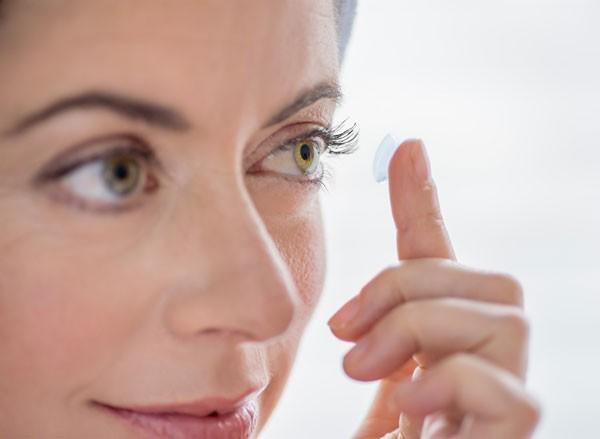 秒殺 Google Glass,Sony 隱形眼鏡相機專利包含防震技術!