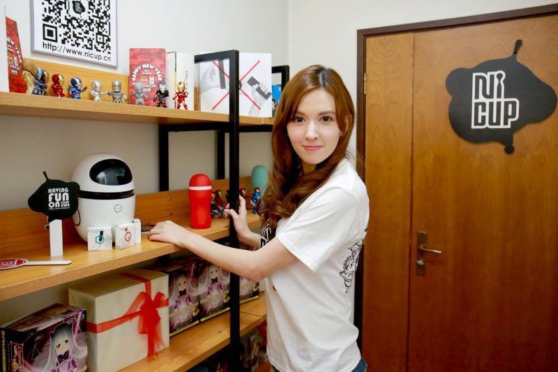 簽下瀧澤蘿拉, 在中國AV 女優的藝人經紀可以怎麼做?