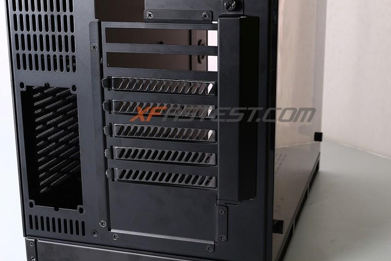 LIAN LI 聯力 O10 chassis設計模組化PCI插槽,可拆卸更換安裝方式多樣化
