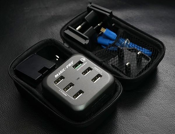快速充電.漫遊世界 Magic-Pro ProMini 6TQ旅行充電器