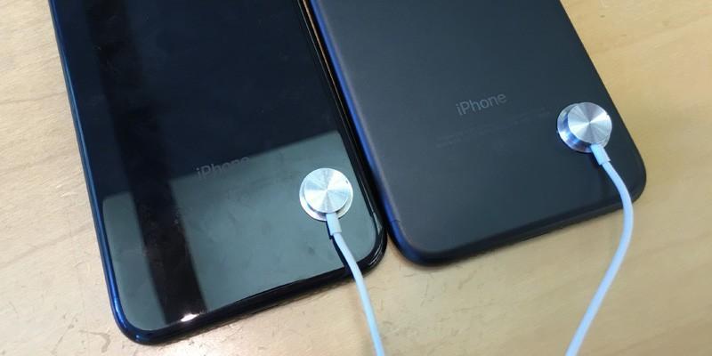 蘋果激進!iPhone展示機移除防盜線隨意拿走玩