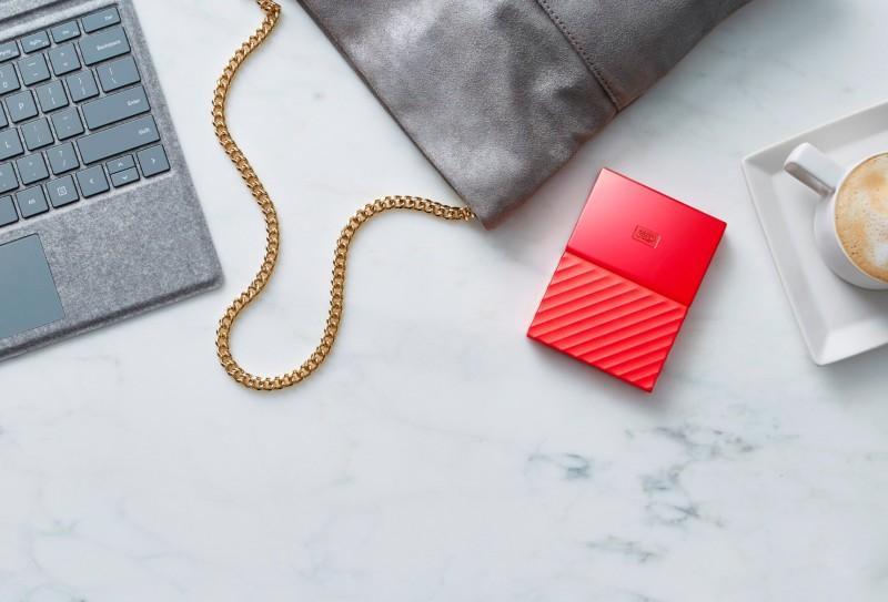 Western Digital 以全新設計概念隆重推出My Passport 和 My Book 硬碟