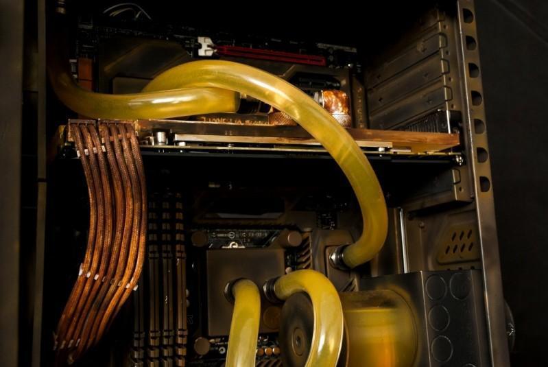工業風格水冷電腦