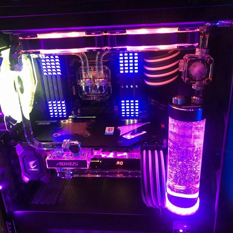 RGB燈光水冷電腦
