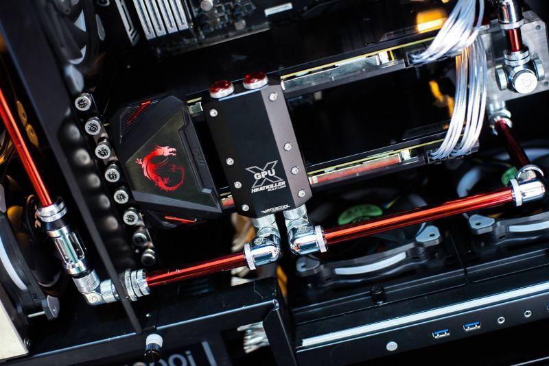 INWIN 909水冷電腦