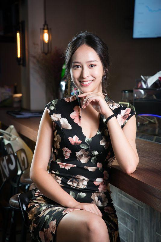 Raisy Chen是BitRaise區塊鏈及ICO顧問孵化器的Founder和COO,同時也是BitHub的運營規.jpg
