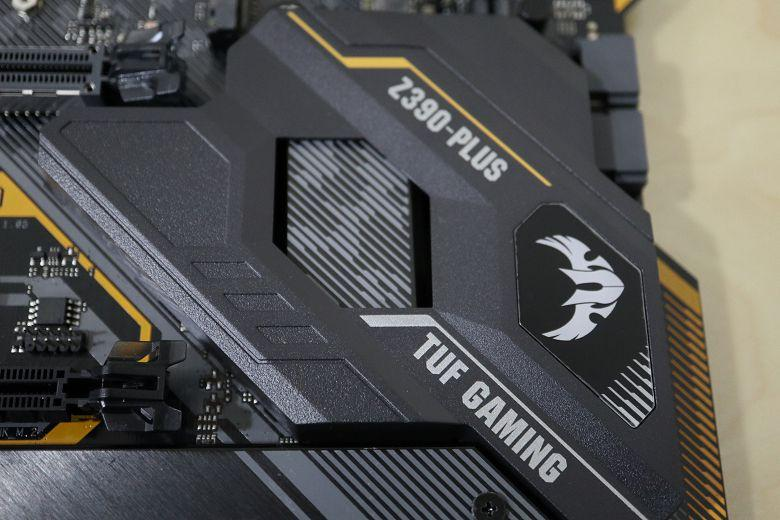 [開箱] 搭上九代的列車 TUF Z390-PLUS GAMING/ 虎徹II /i5 9600K - XFastest - 007.jpg
