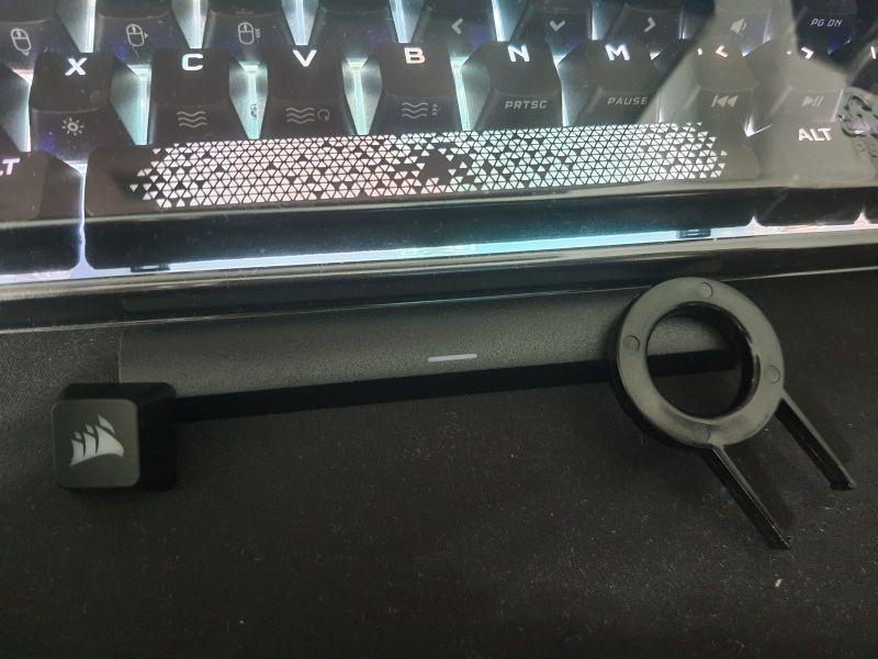 對效能絕不妥協的K65 RGB MINI,簡單輕開箱1028