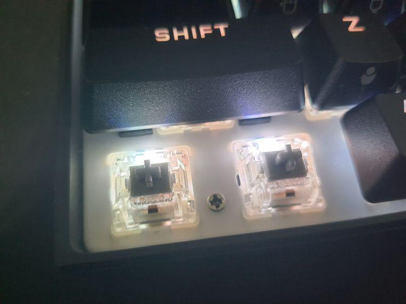 對效能絕不妥協的K65 RGB MINI,簡單輕開箱7620